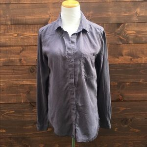 Cloth & Stone Frayed Hem Button Down Top